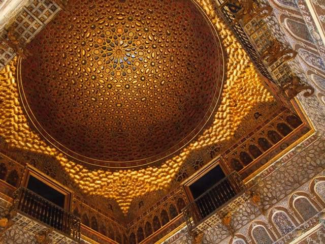 The Sala de Justicia's impressive ceiling. Look closely: it's composed of little stars with the royal emblems in the middle.