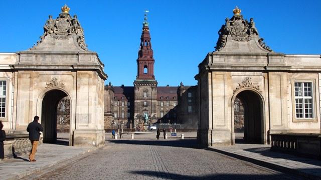 the imposing Slotsholmen facade