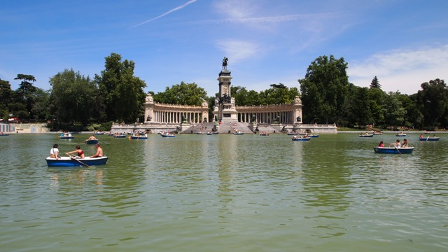 Hung out at Parque del Retiro and watched the locals go boating