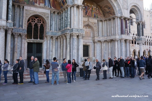 the Basilica opens 9:45am but best to queue early
